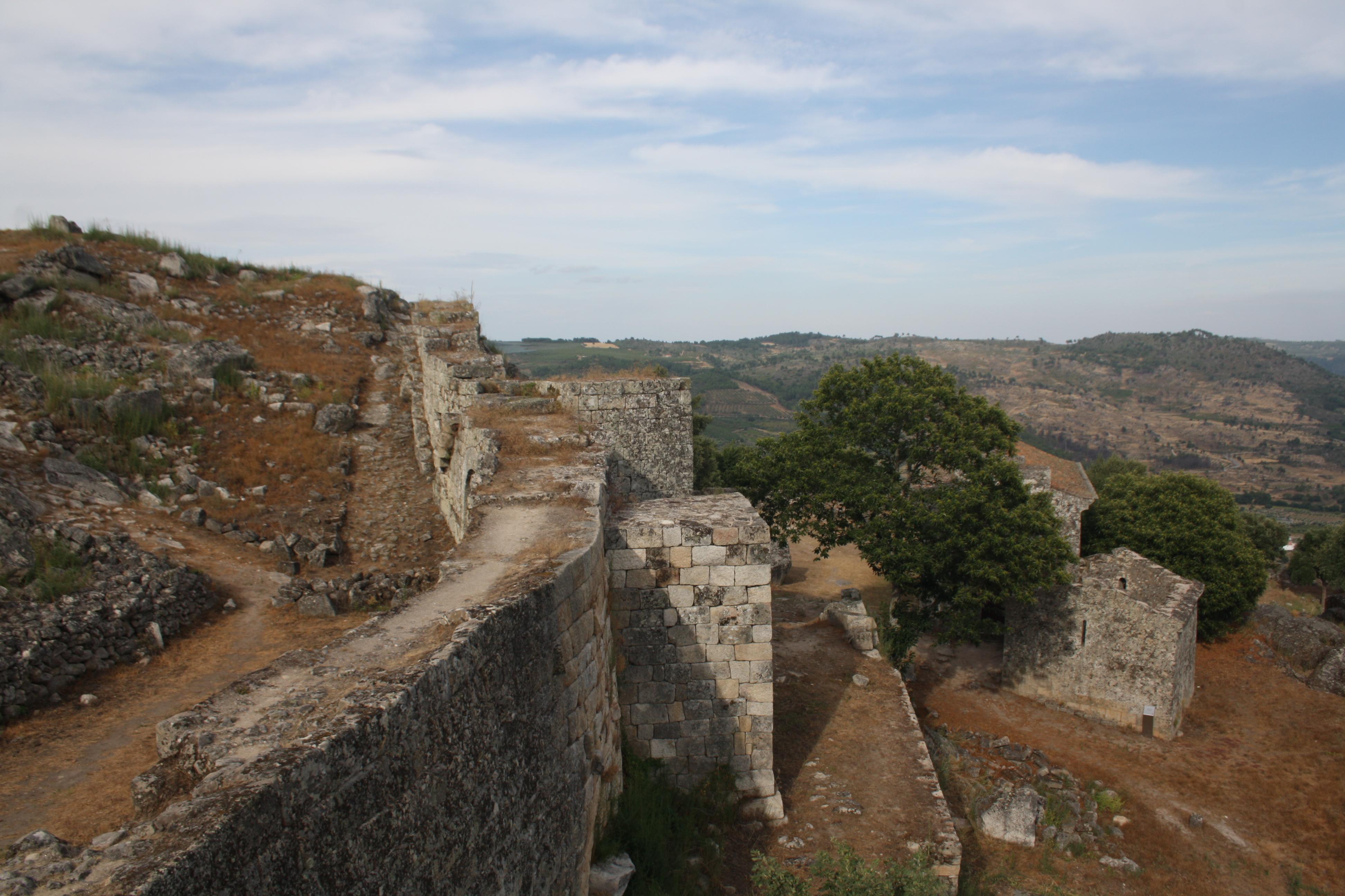 Castelo de Carrazeda de Ansiães